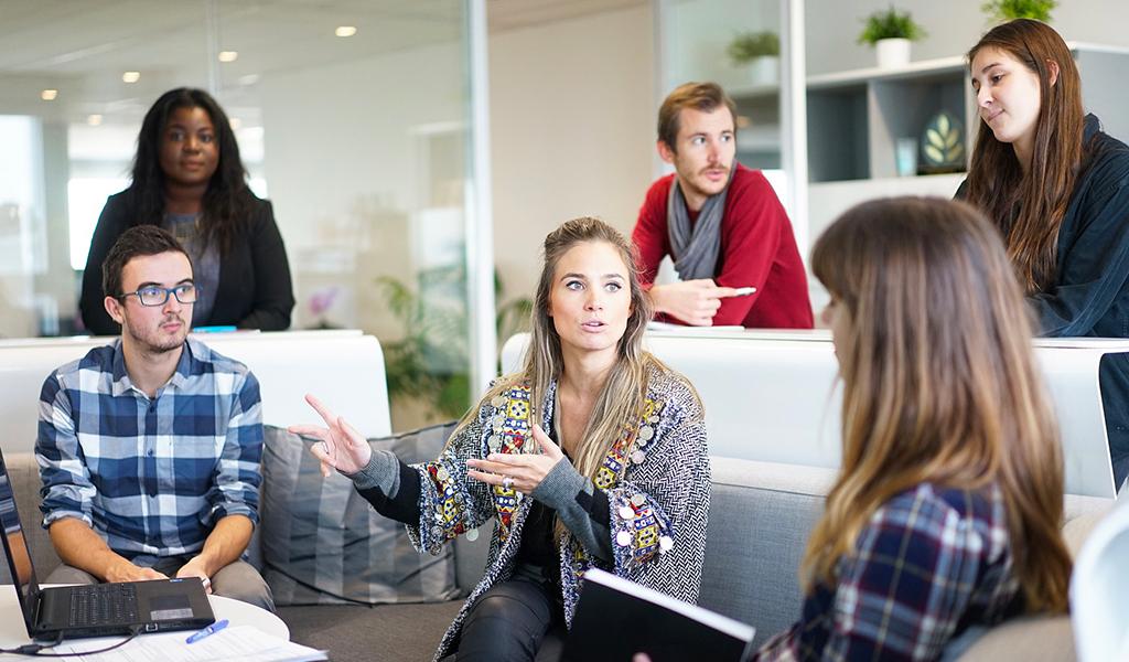 Je dispense une formation en communication à l'attention des groupes de collaborateurs en entreprise. A l'oral, à l'écrit, seul ou en groupe : maîtrisez votre communication.